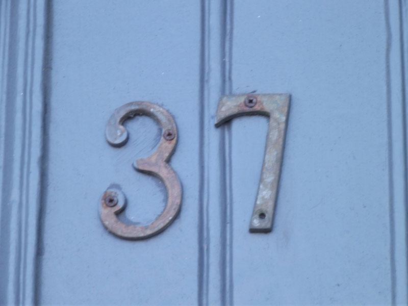 Número 37